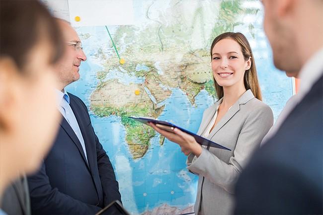 Mehrsprachigkeit Keyvisual (Meeting zur Expansionsstrategie)