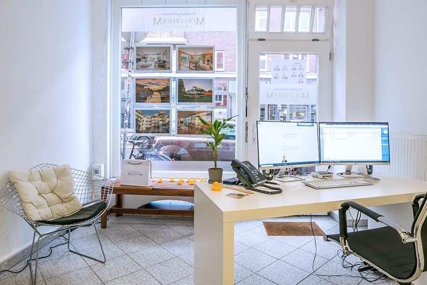 Möllerherm Immobilien: Empfangsbereich und Schaufenster